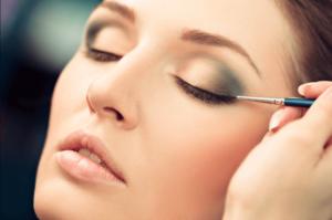 Eye Contouring Tips for Women